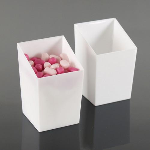 Engångsbägare i plast, sluttande kant, vit