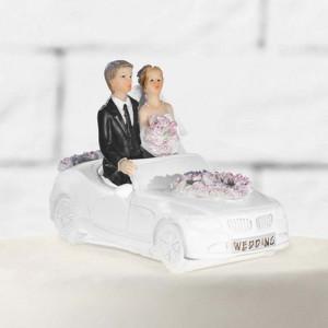 Tårtdekoration Brudpar, nygifta i bil - PartyDeco