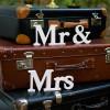 Bröllopsdekoration Mr & Mrs, vit - PartyDeco