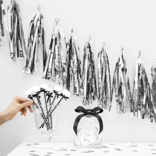 Girlang Tassel, silver - PartyDeco