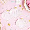 Pappersservetter med motiv julkulor från PartyDeco