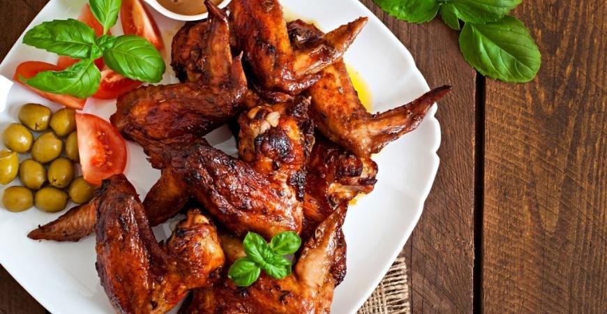 Ölmarinerade kycklingvingar