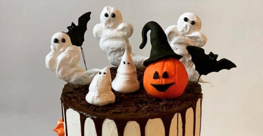 Läskigt snygga Halloweentårtor