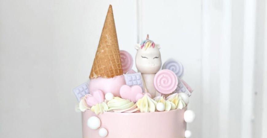 Baka Unicorn Cake - Enhörningstårta
