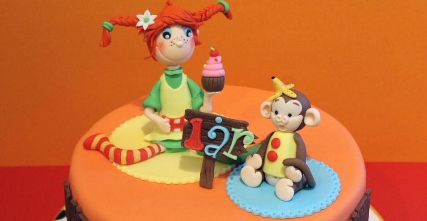 Tårtor med figurer i sockerpasta