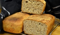 Mandel- och rågbröd