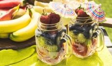 Kryddig fruktsallad med honung