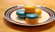 Macarons gul och blå