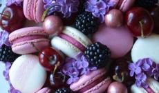 Tårtor dekorerade med Macarons / Makroner