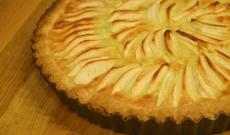 Tallkottens äppelpaj med citron och mandel