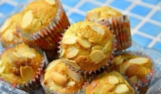Rabarbermuffins med mandel